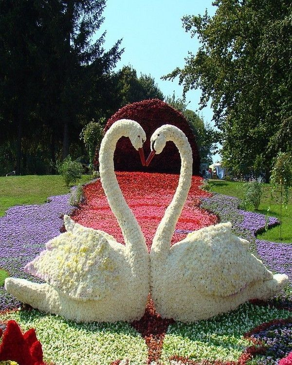 sculpture cygnes en fleures
